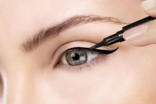 How To Nail Perfect Winged Eyeliner   Makeup Tutorials