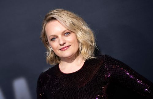 Elisabeth Moss Goes Back to Brunette With a '90s Cut and Colour Inspired by Winona Ryder