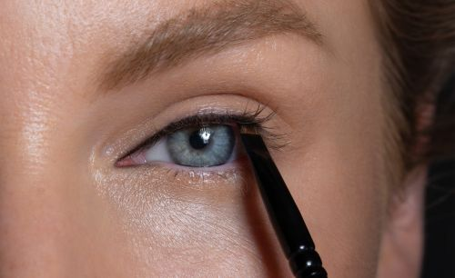 Make Hooded Eyes Pop With the Push Liner Technique