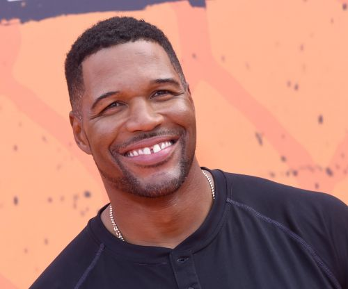 """Michael Strahan's Said Goodbye to His Famous Tooth Gap: """"I Did It"""""""