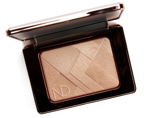 Natasha Denona I Need a Nude Glow Powder Review & Swatches