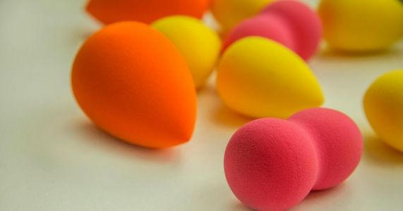 Use A Beauty Blender Makeup Sponge In Different Ways