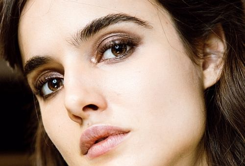 How to Enhance Your Eye Color, According to Top Makeup Artists