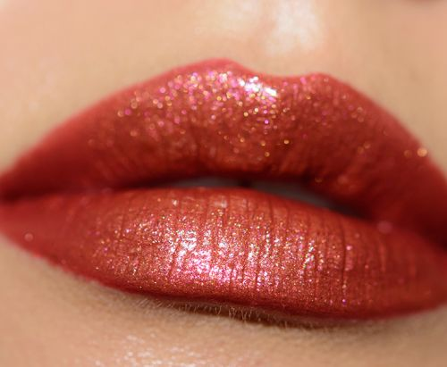 How to Apply Lipstick: From Prep to Reapplication