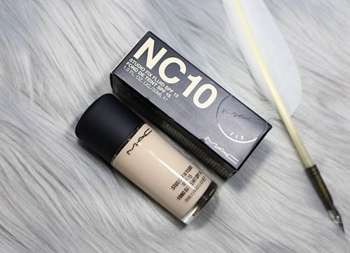 Mac Cosmetics Studio Fix Fluid Foundation In Shade NC 10   Review, Swatches & Demo