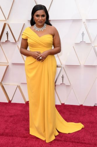 Mindy Kaling Looks Like Literal Sunshine in Her Yellow Oscars Gown