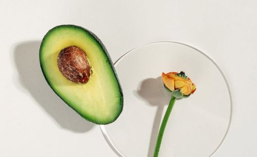 The Benefits of Avocado Oil in Skin and Hair Care